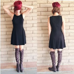 Sleeveless Black Shift Dress